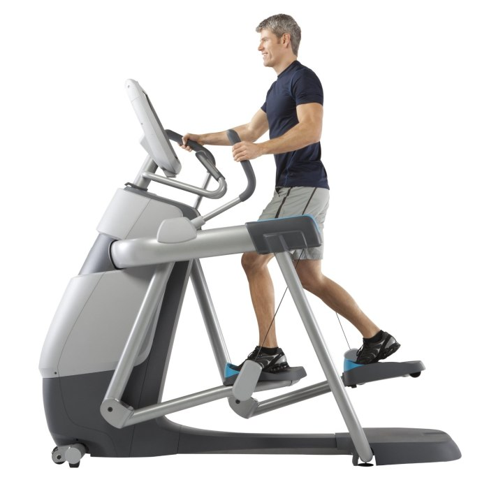 Precor 835 Adaptive Motion Trainer (AMT) With Open Stride Review