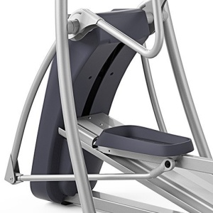 The CrossRamp incline on the Precor EFX 447 can adjust all the way up to an impressive 40 degrees