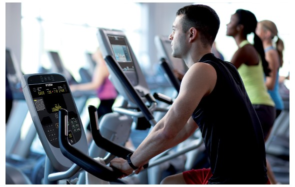 12 preset programs and a fitness test help ensure consistent progress towards your goals